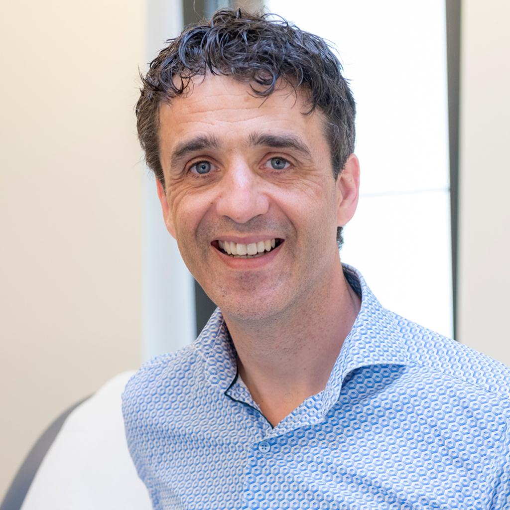 Dr. Stijn Geeraert